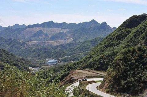 中国电建路桥集团1.717亿元竞得商洛1.5亿吨储量建筑石料用白云岩矿山