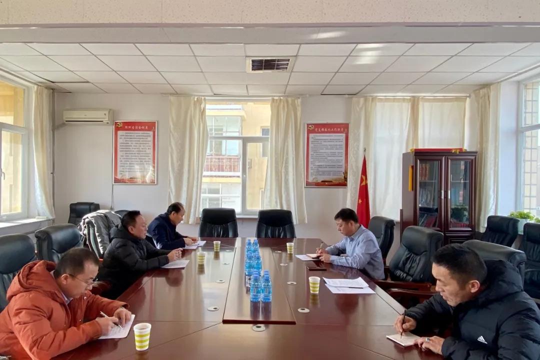 赤峰市自然资源局督察组到巴林右旗督查绿色矿山创建工作