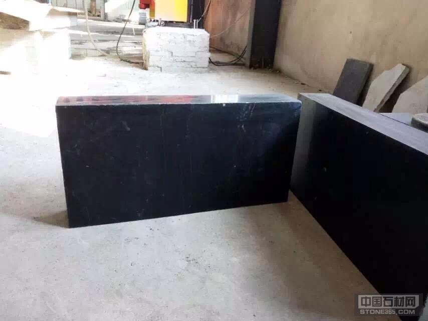 中国石材网 石材产品 石灰石 > 黑青石雕刻