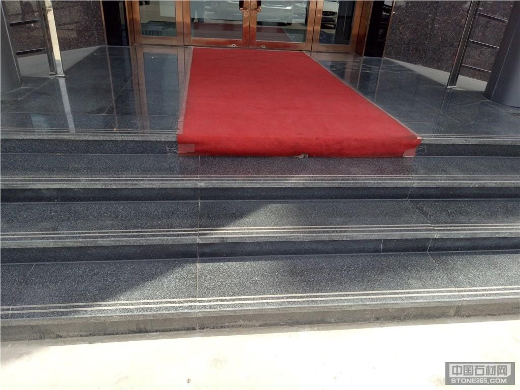 滨州青酒店大门