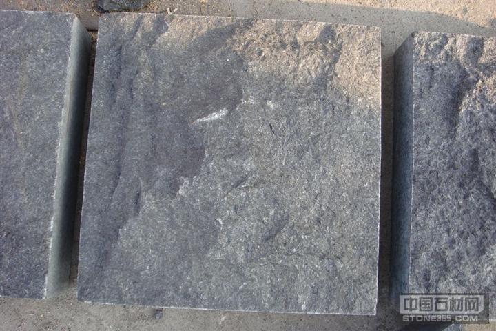 供G684福鼎黑自然面石材料