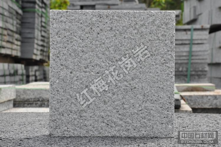 花岗岩石材价格实惠芝麻灰路沿石