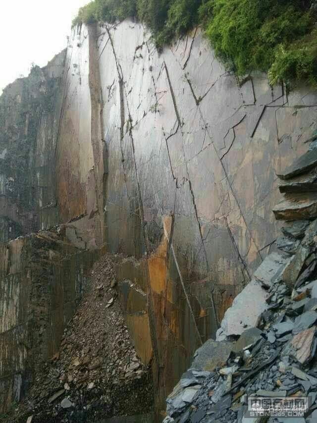 江西星子县青石板岩矿山