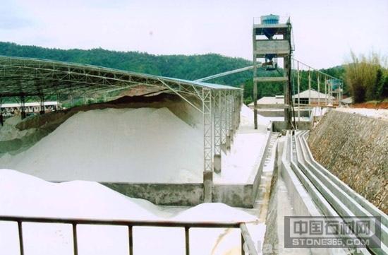 提供广东广州超白玻璃石英砂