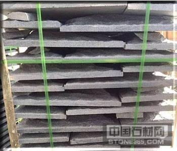 广西钟山青蘑菇石