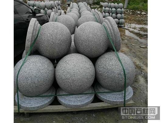 江西芝麻白圆球挡车石