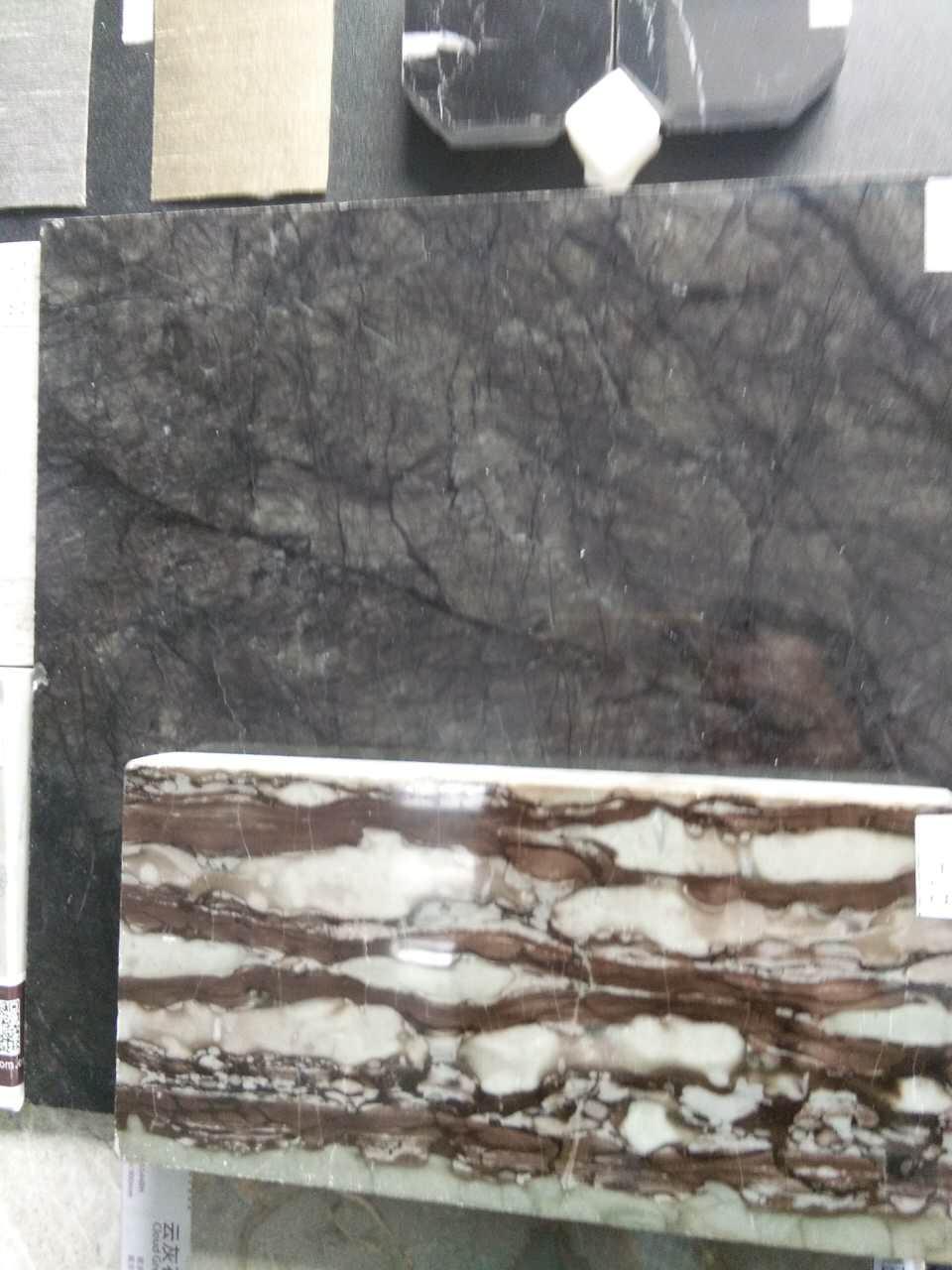 采购图中两块大理石