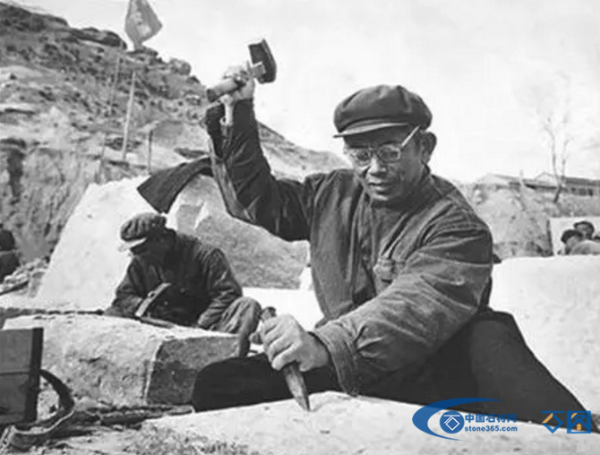 一座重达300吨的石材丰碑是怎样运到北京的,看看前人的操作