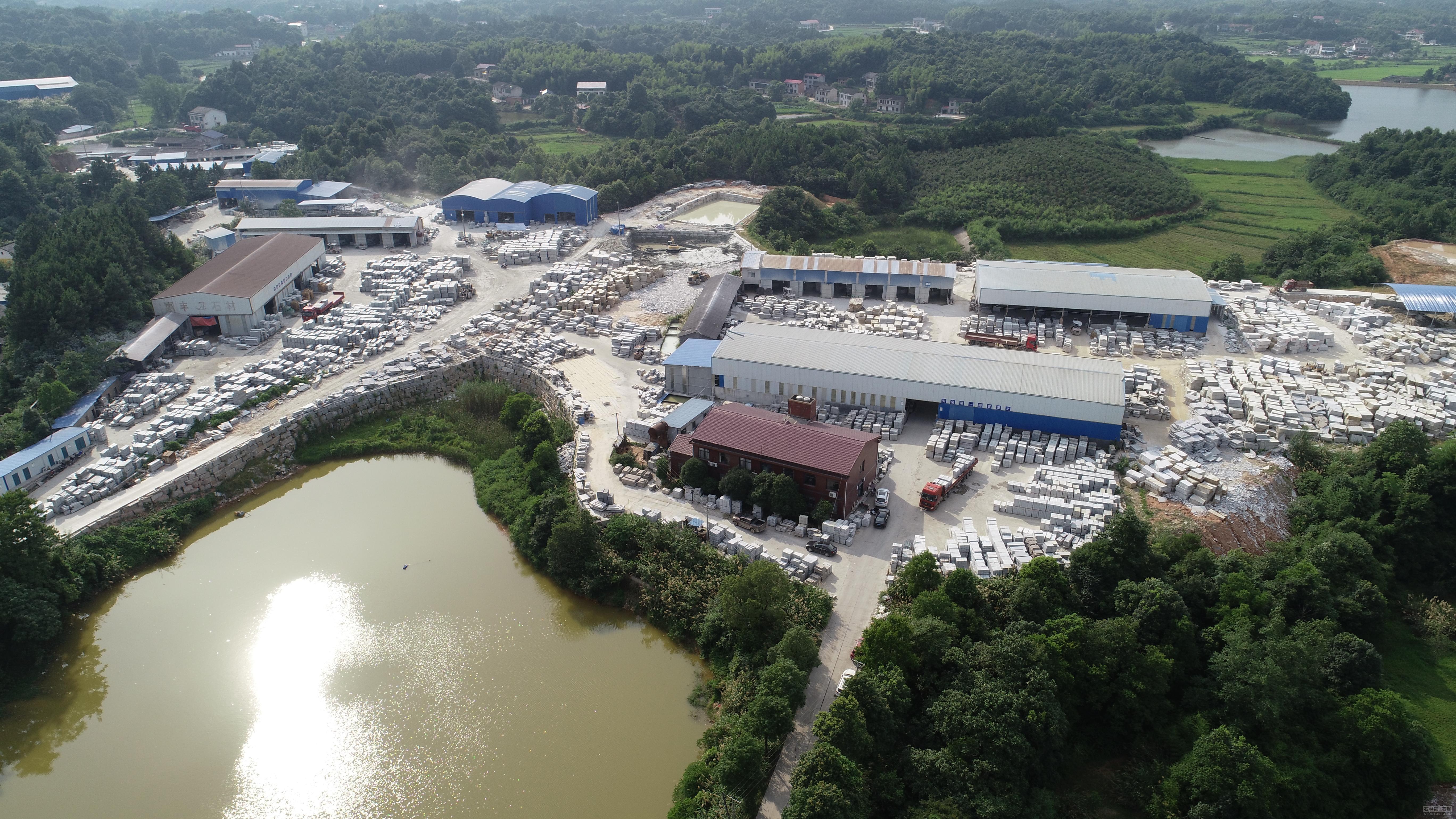 南安市构建工业园区集群开展新优势
