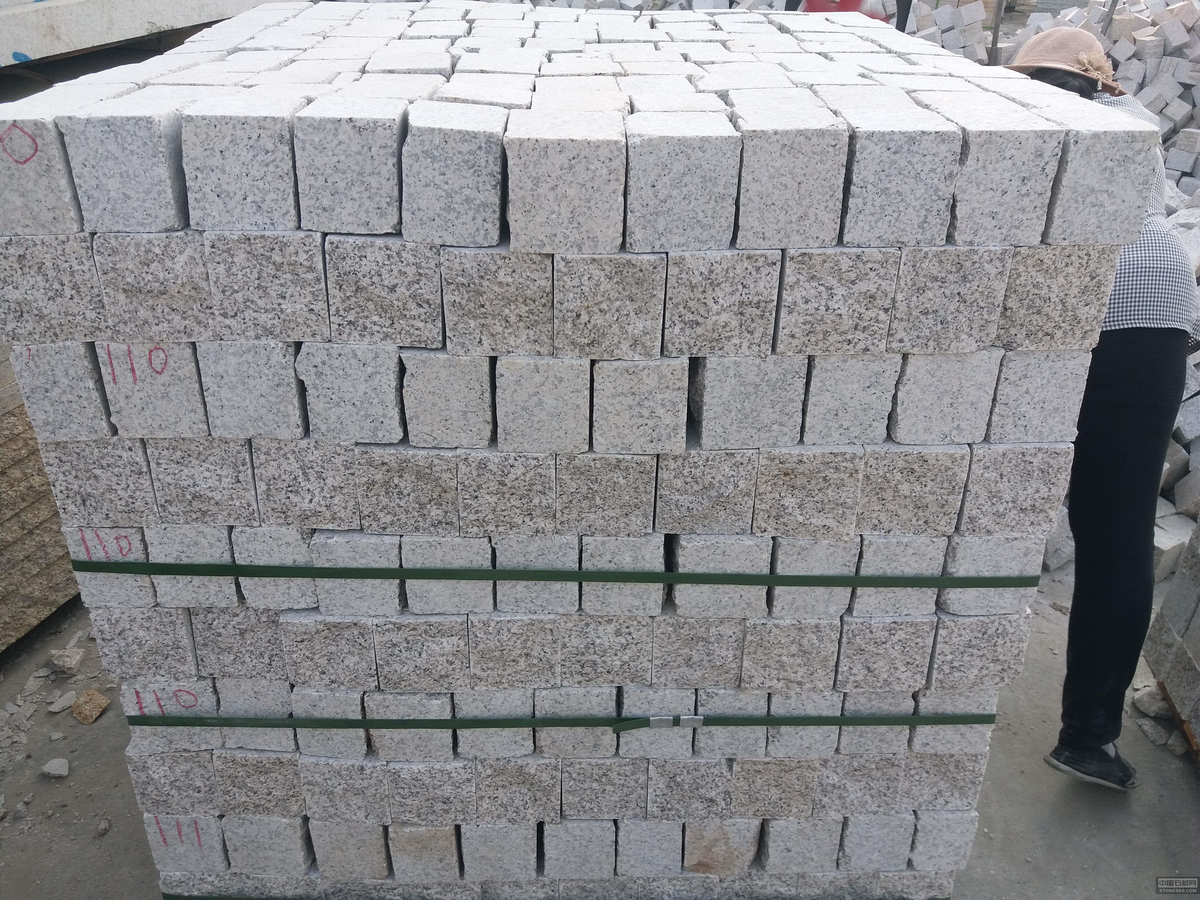 白锈石小料石