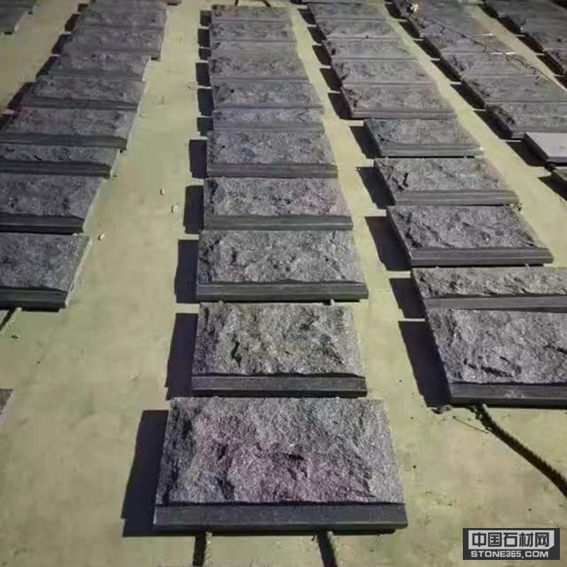 提供北大青石材蘑菇石