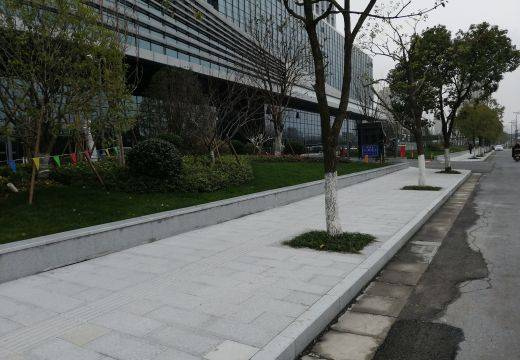 市民中心人行道案例