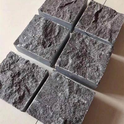 马蹄石小方块青石地铺盲道石