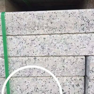 井冈红路沿石