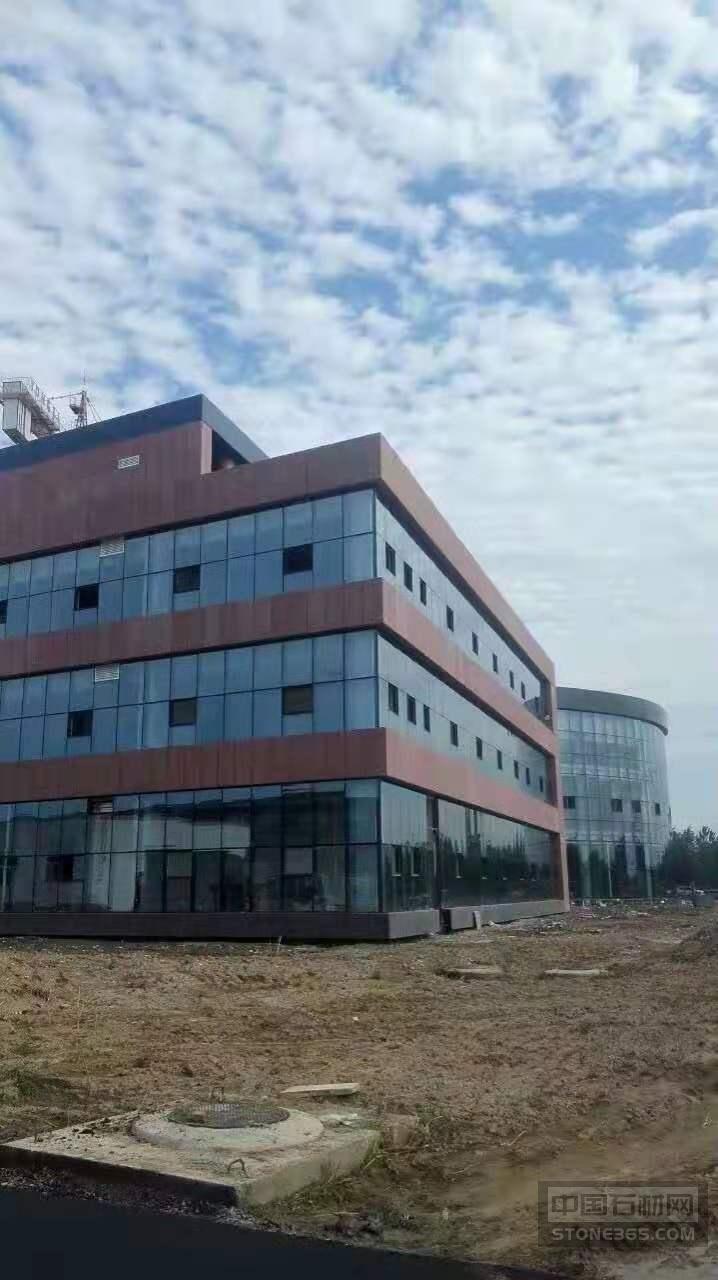 中国红石材外墙干挂案例