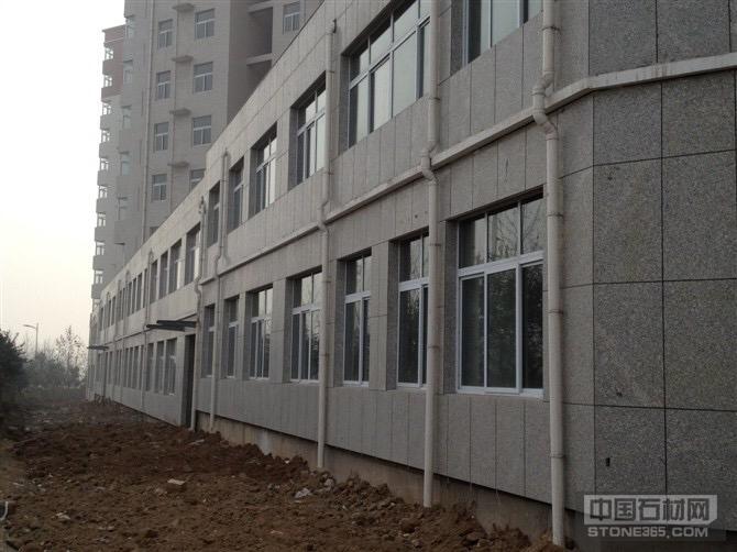 渑池县和谐家园外墙梨花白