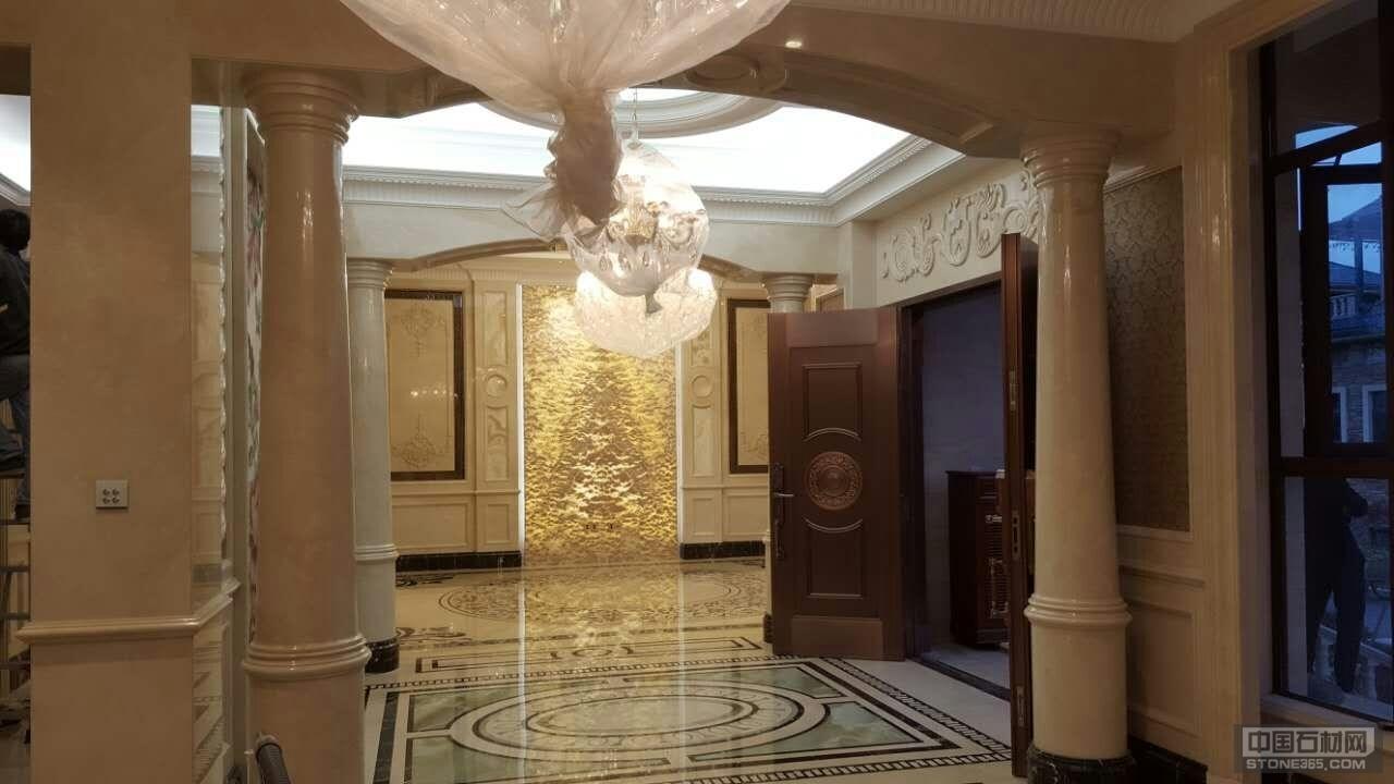 大理石圆柱浮雕