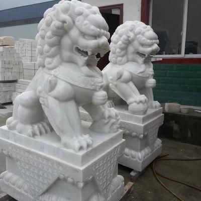 供应汉白玉雕刻石狮子