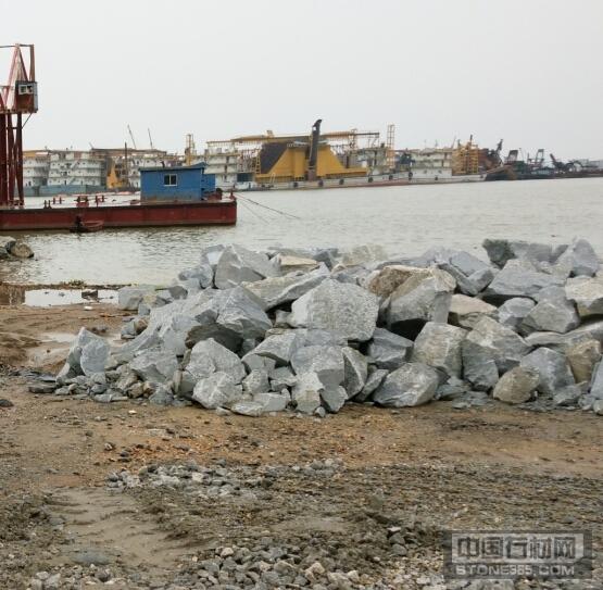 供应花岗岩毛石 石材填海石护坡
