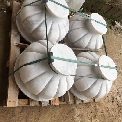 广西白异形石雕
