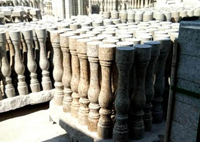 山东锈石栏杆扶手柱子