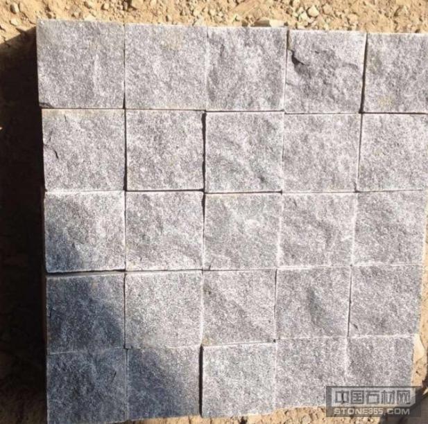654芝麻黑小方块