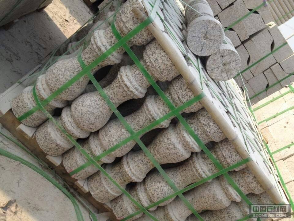 山东锈石圆柱扶手栏杆