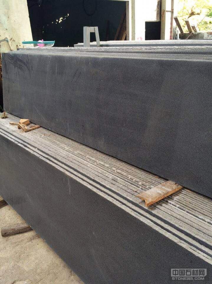 G654芝麻黑条板
