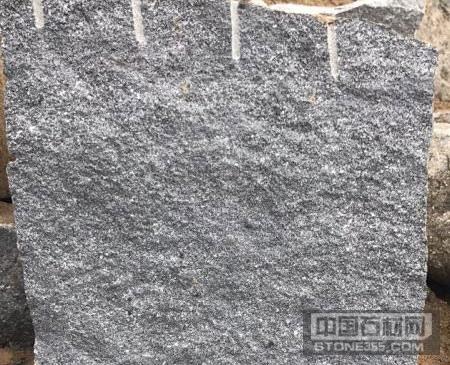 自有芝麻黑石材矿山