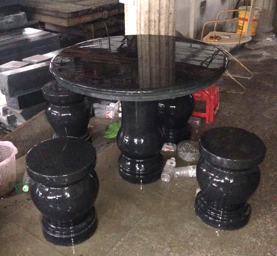 芝麻黑石桌石凳