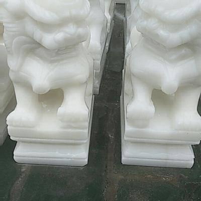 汉白玉公墓狮子