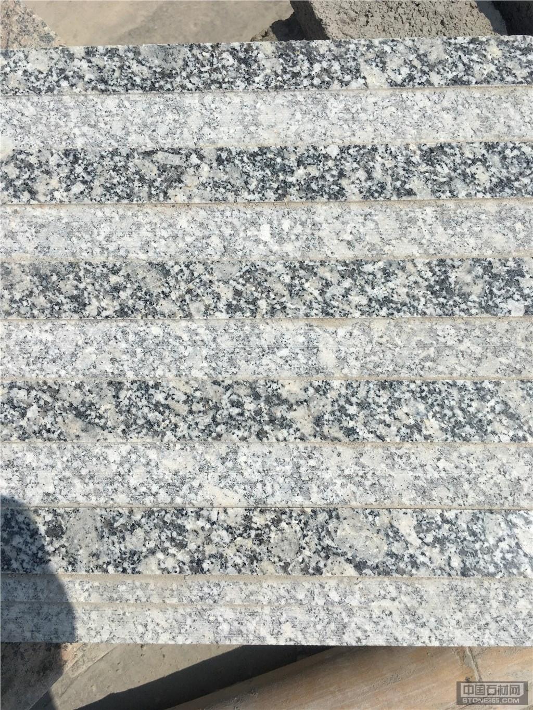 河南芝麻灰石材直槽盲道