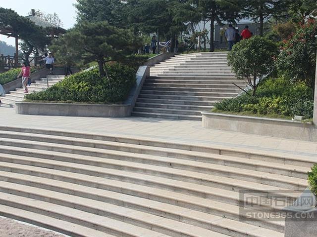 五莲花楼梯踏步工程案例