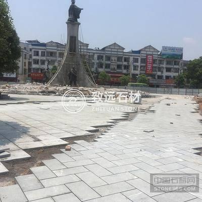 广西兴安县秦始皇铜像广场