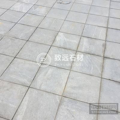 广西兴安县秦始皇铜像广场3