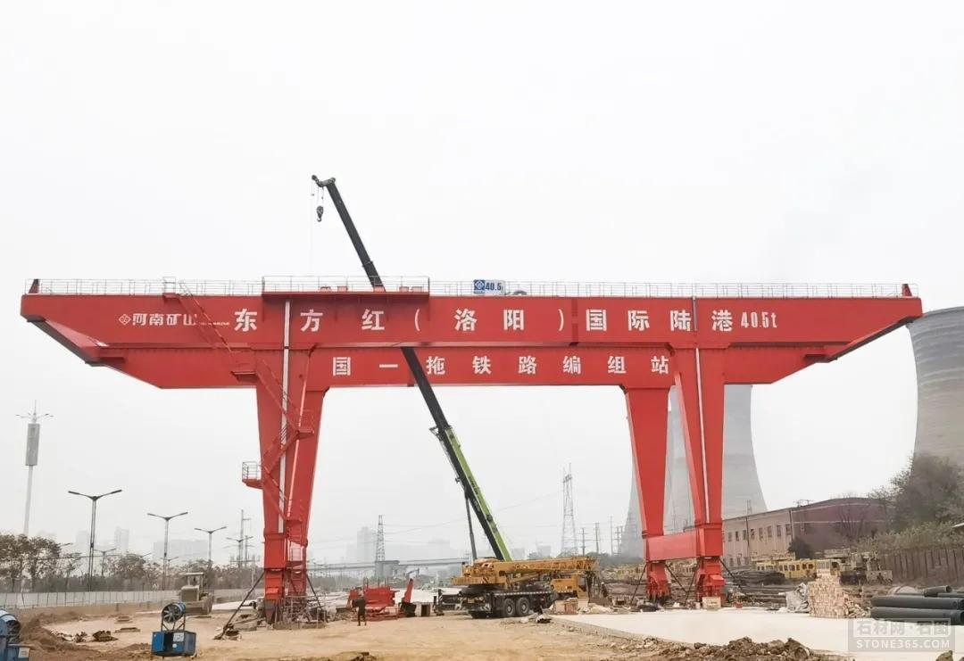 """石材产业园实施厂区""""五包""""旧貌换新颜"""