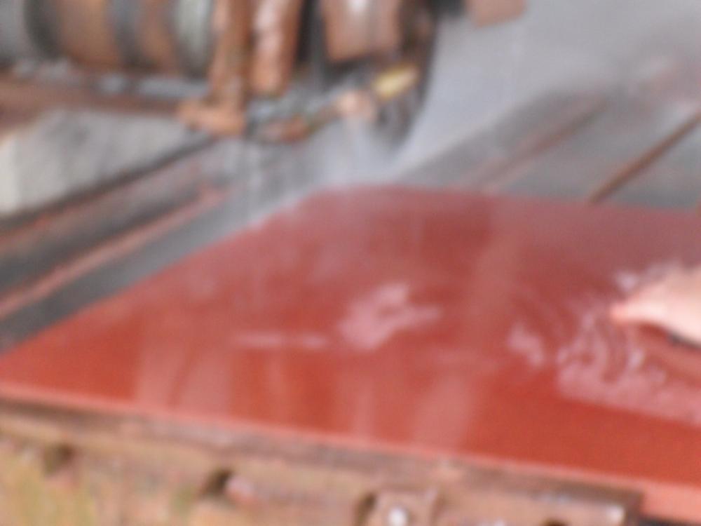 中国红板材1