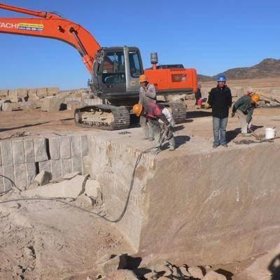 卡拉麥裏金采礦現場