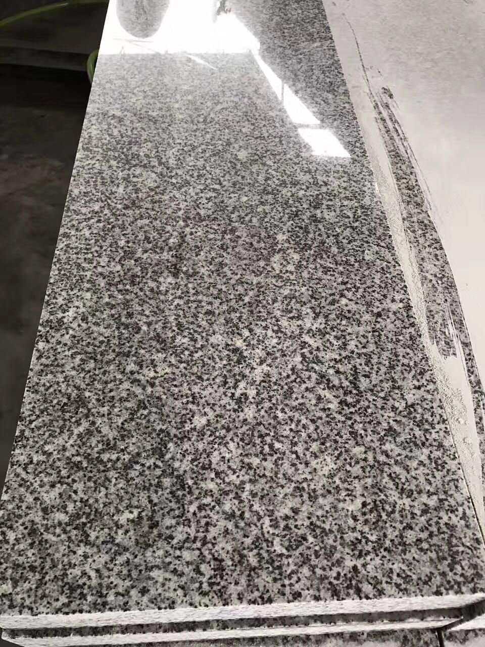 芝麻灰光板