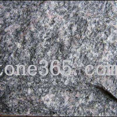 黑白花牡丹红蘑菇石