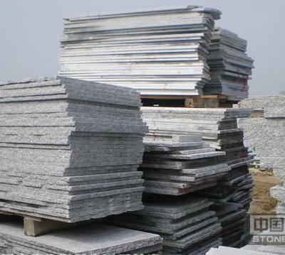 芝麻白板材堆场